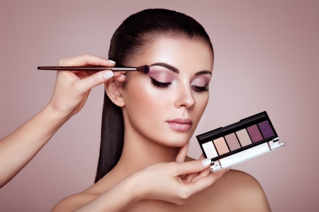 Makeup for beginners: how to apply eyeshadow like a pro