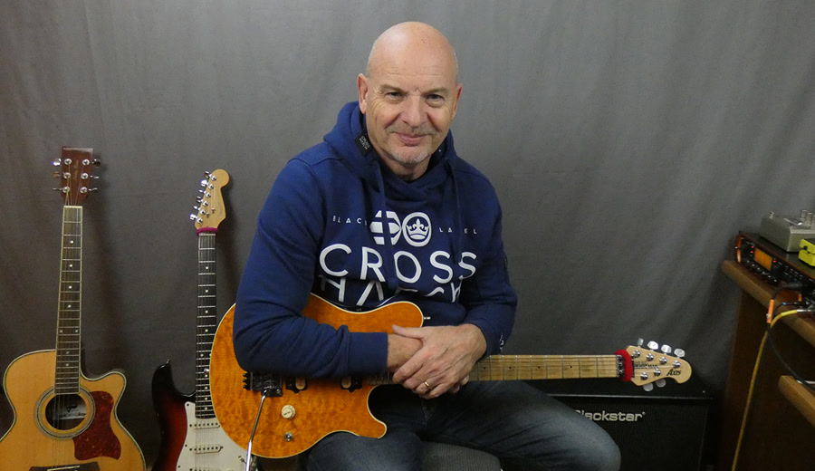 Professional Guitar Lessons with Geoff Sinker. Holder of a Trinity College Of London Degree in teaching guitar.