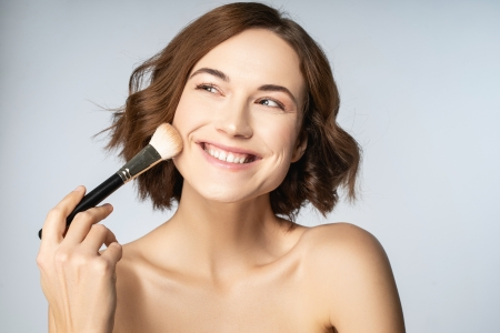 Everyday makeup routine for acne-prone skin